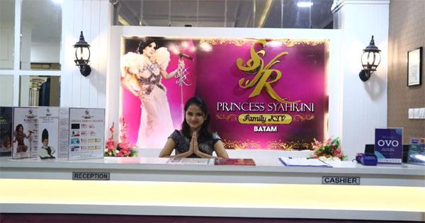 Princess Syahrini Fmily KTV