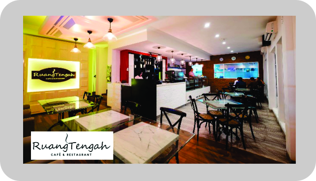 RUANG TENGAH CAFE & RESTORAN